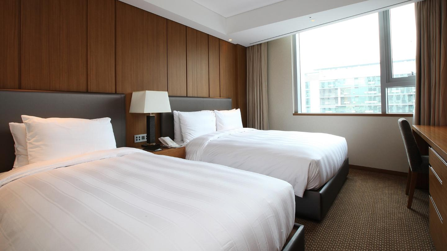 Lotte City Hotel Guro - Guest Room - Superior - Superior Family Twin Room