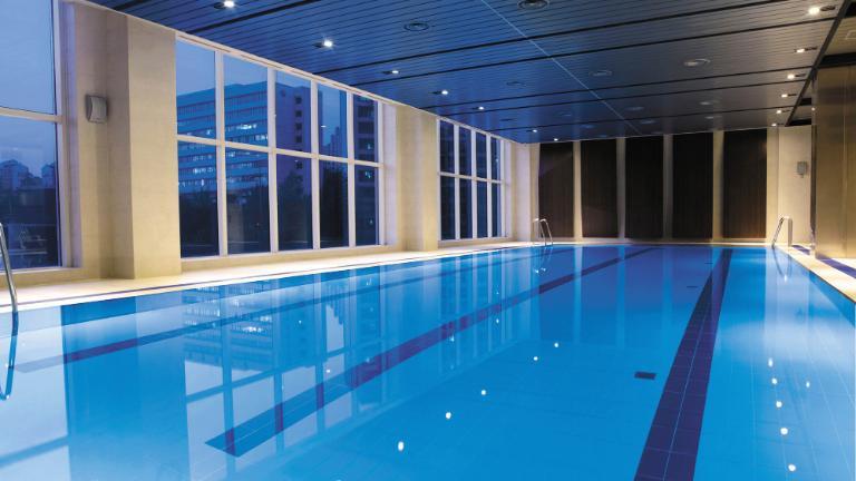 Hotel Swimming Pool - Fitness & Spa Facilities | LOTTE City Hotel Mapo
