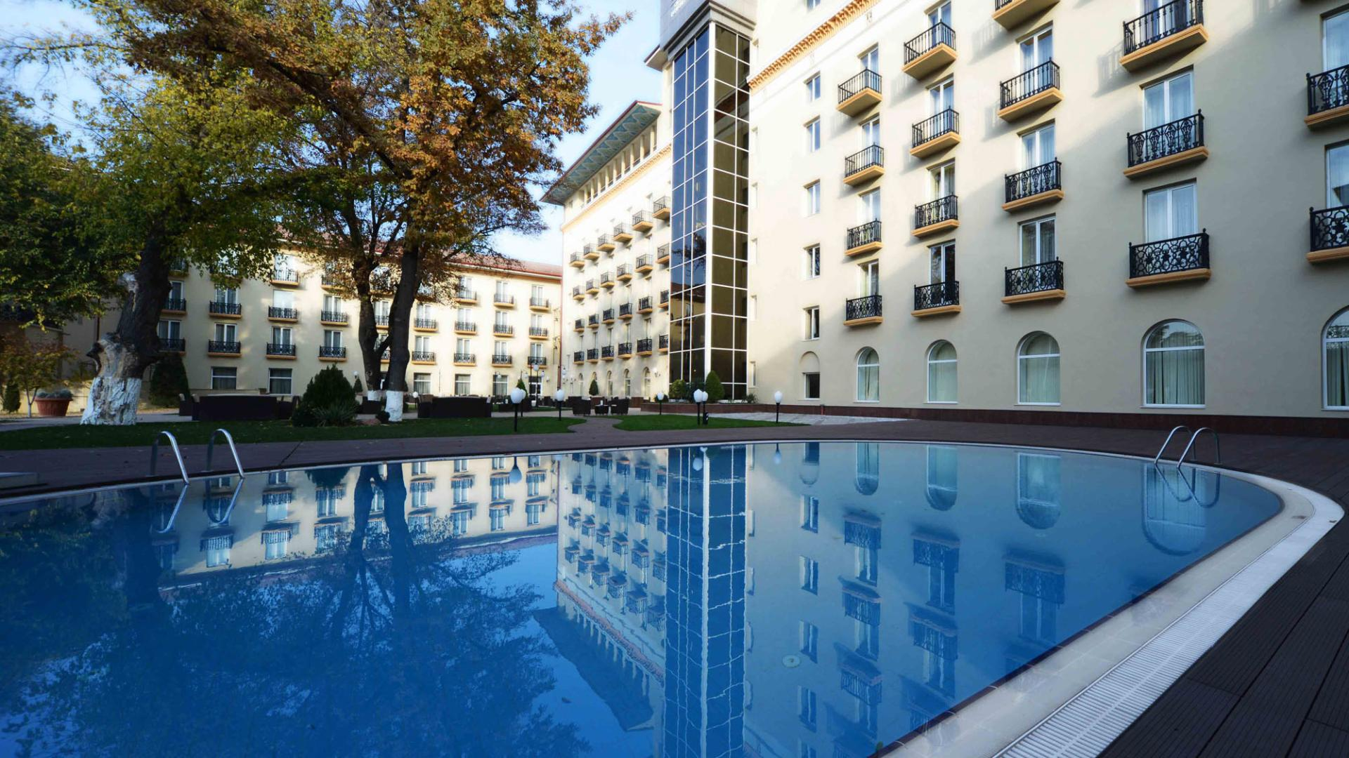 Lotte City Hotel Tashkentpalace-Facilities-Fitness-Gym