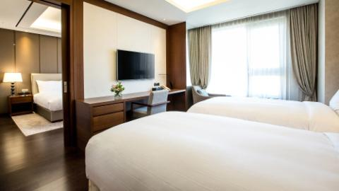 Lotte City Hotel Ulsan, Superior Suite Family Triple