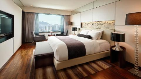 Lotte Hotel Busan-Rooms-Club Floor-Superior Suite Room
