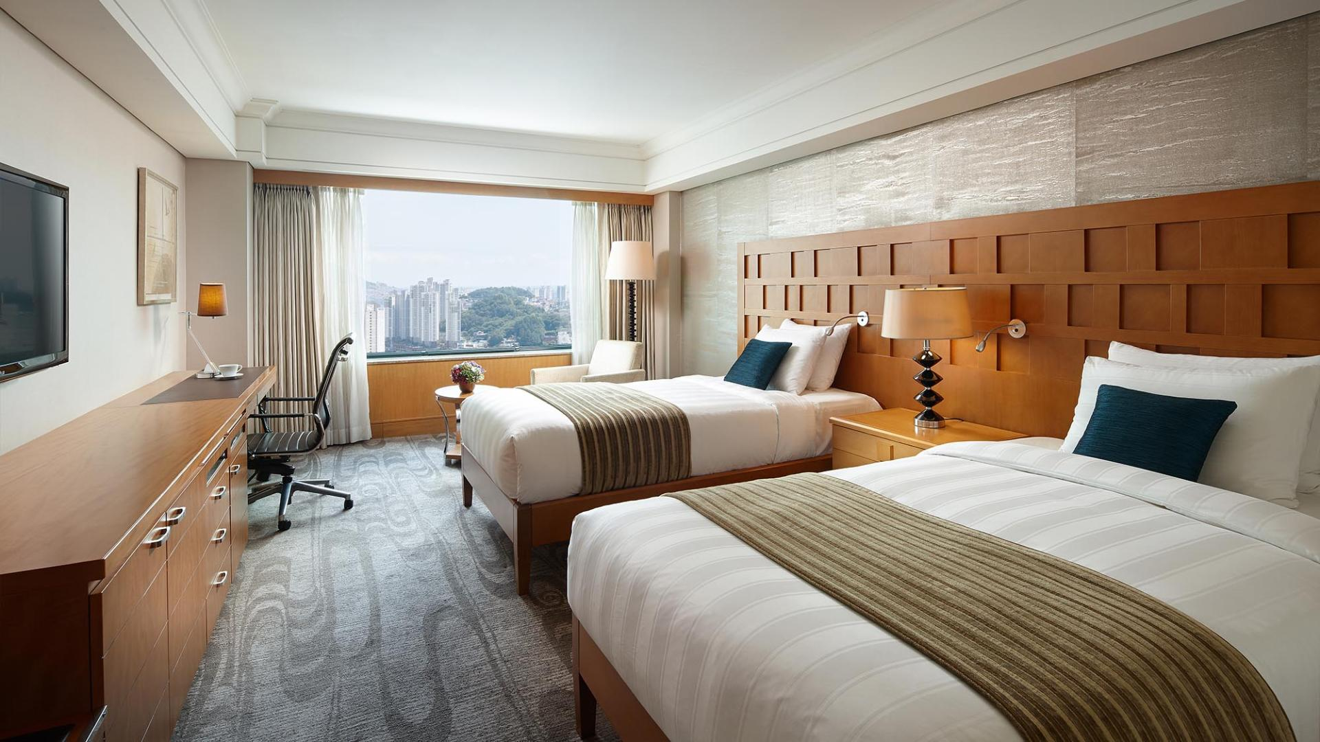 Lotte Hotel Busan-Rooms-Standard-Executive King Room