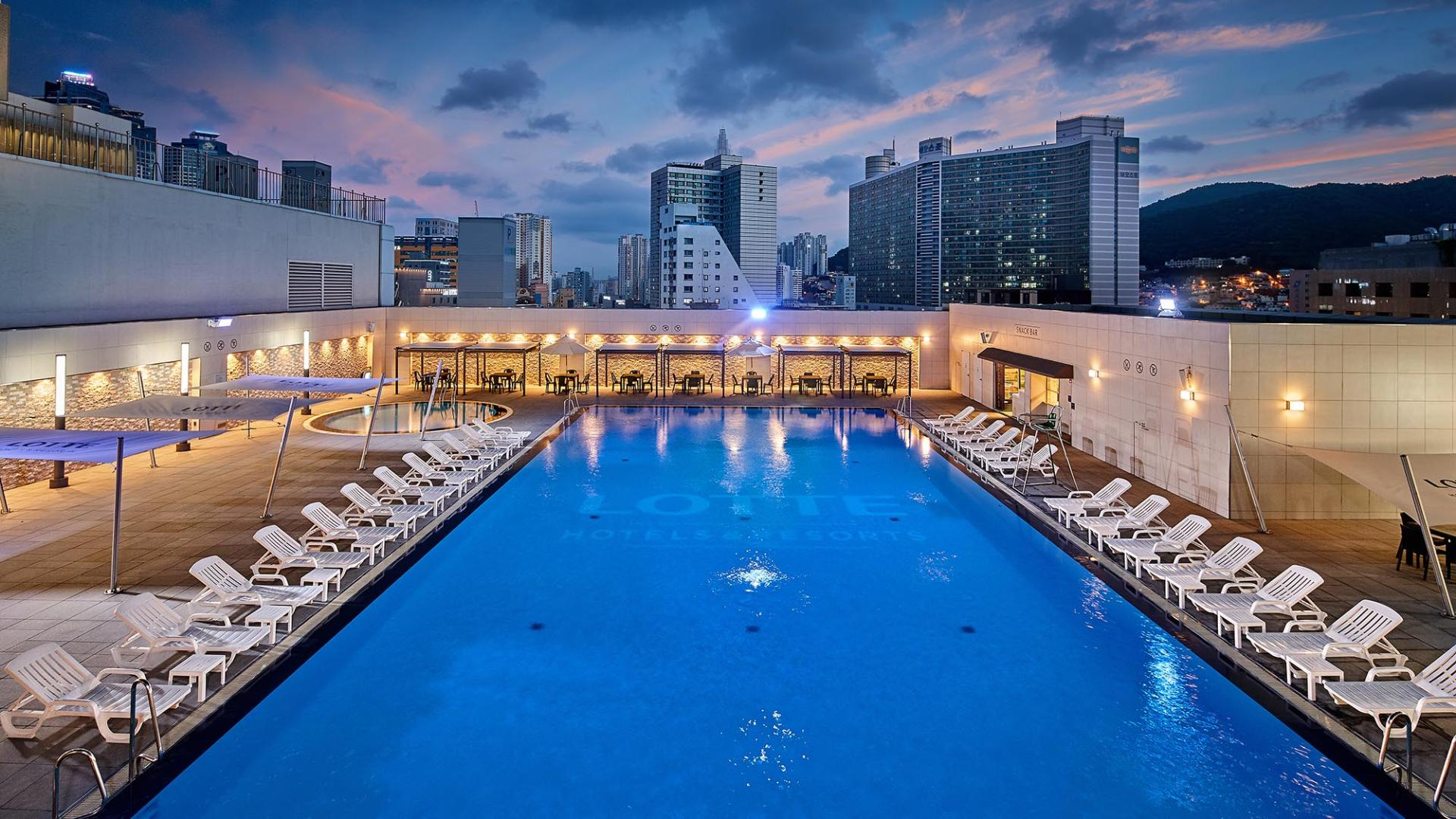 Lotte Hotel Busan-Facilities-Spa & Fitness-Swimming Pool