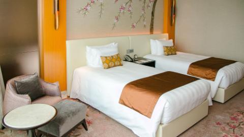 Lotte Hotel hanoi-Rooms-Club Floor-Deluxe Room