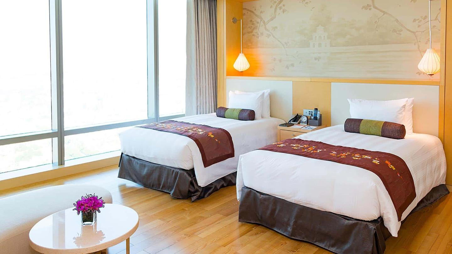 Lotte Hotel hanoi-Rooms-Club Floor-Junior Suite Room