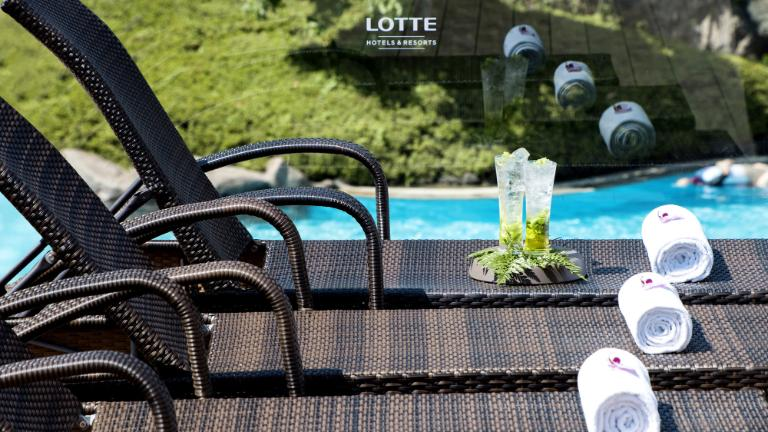 Lotte Hotel Jeju-Facilities-Spa & Fitness-He:on Rooftop Terrace