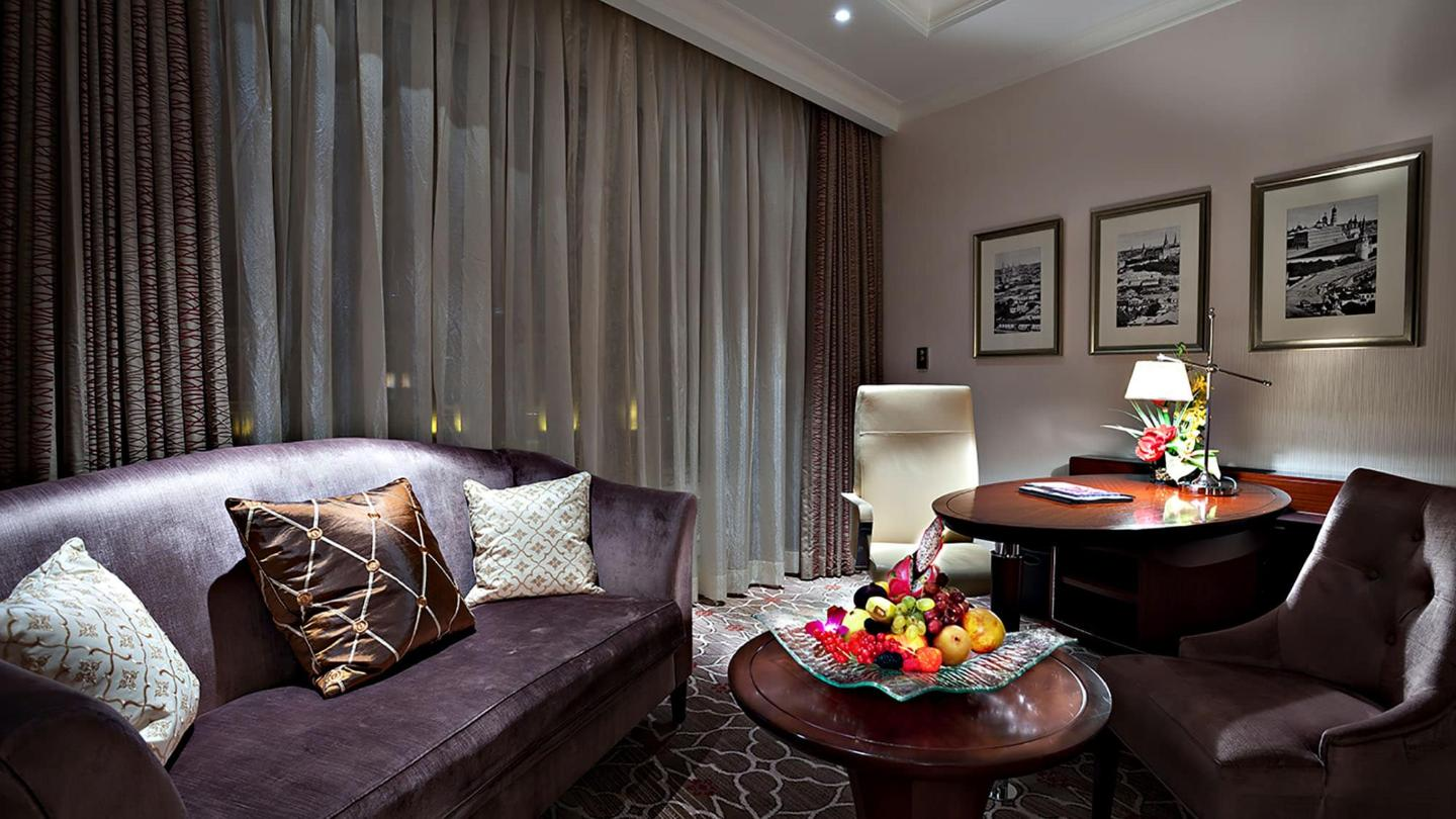 Lotte Hotel Moscow-Rooms-Standard-Luxury Room