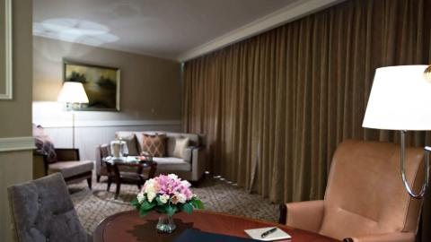 Lotte Hotel Moscow-Rooms-Suite-Junior Suite Room