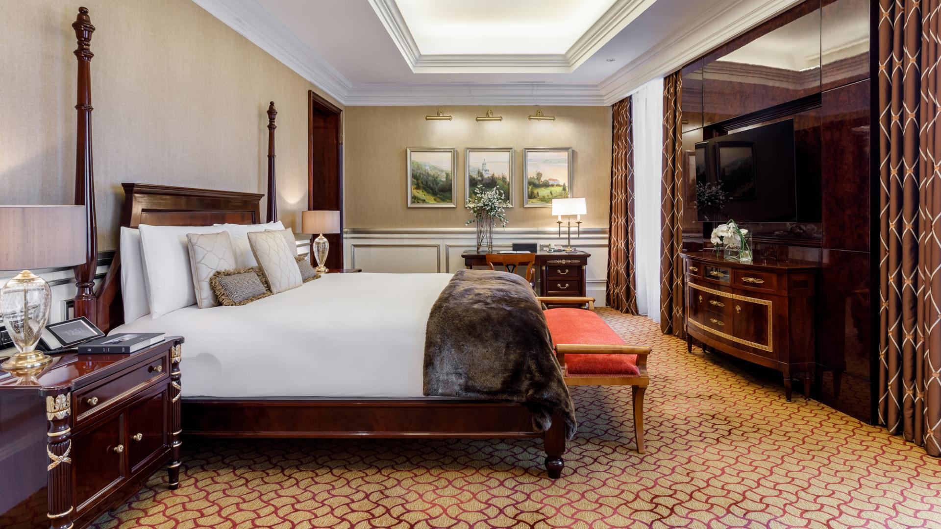 Lotte Hotel Moscow-Rooms-Suite-Presidential Suite Room