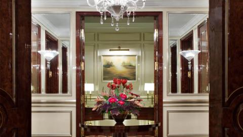 Lotte Hotel Moscow-Rooms-Suite-Royal Suite Room