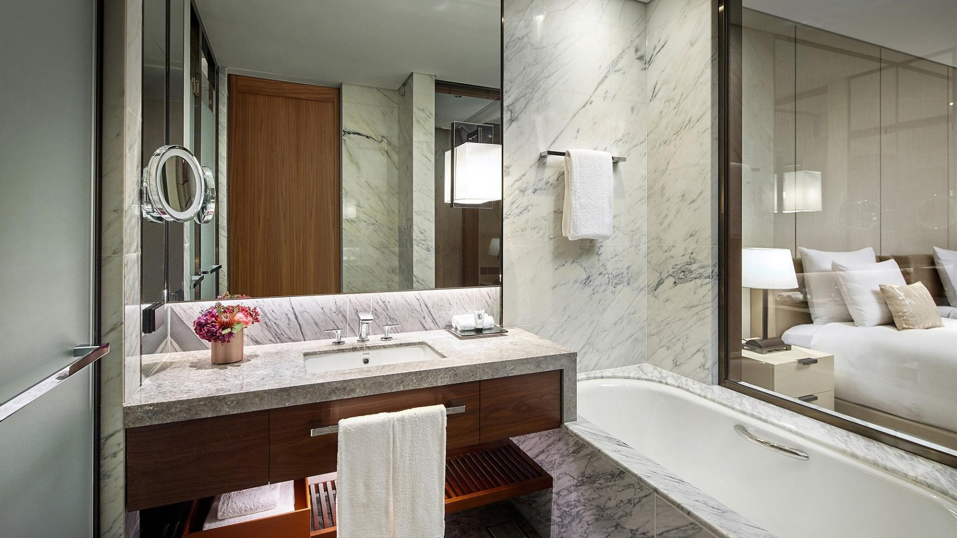 Executive Tower Grand Deluxe Bath Room
