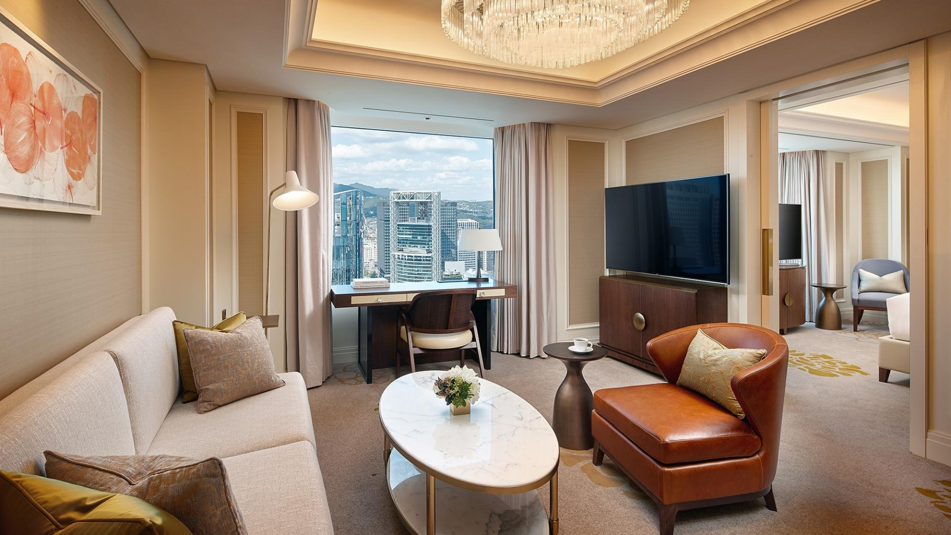 Executive Tower Junior Suite Room