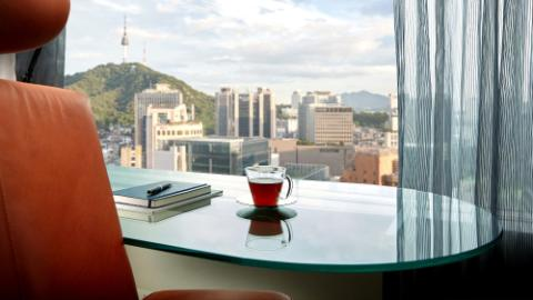 Lotte Hotel Seoul-Rooms-Main Tower-Club Floor-Deluxe Suite Room