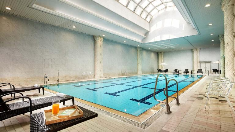 Indoor Swimming Pool - LOTTE Hotel World Facilities | LOTTE ...
