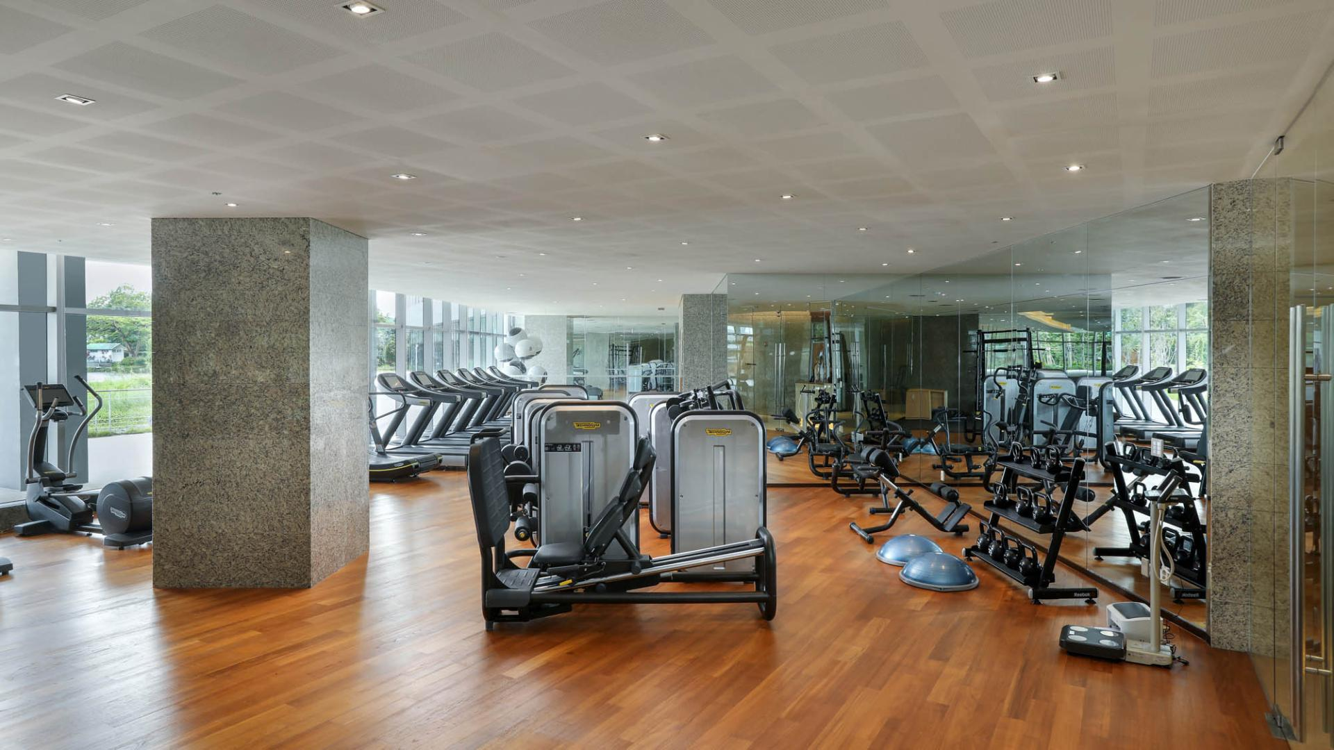 Lotte Hotel Yangon-Facilities-Spa & Fitness-Swimming Pool