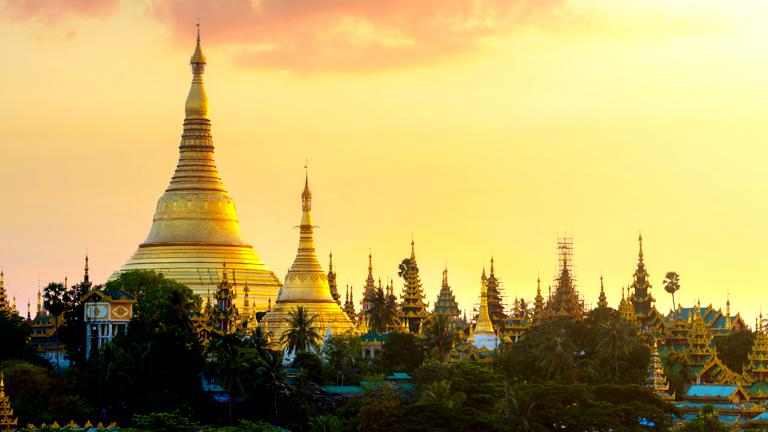 Lotte Hotel Yangon-About Us-Tourist Attractions in Yangon-Shwedagon Pagoda