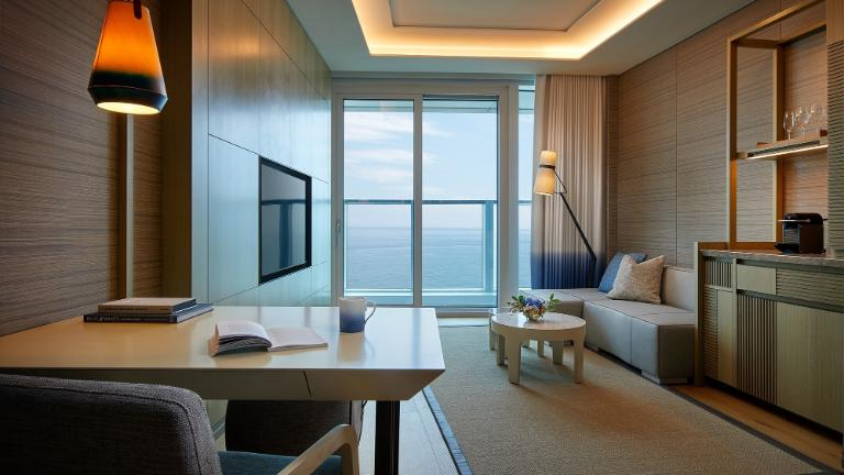 Signiel Busan-Rooms-Deluxe Suite Room