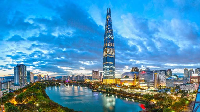 Signiel Seoul-About Us-Tourist Attractions in Seoul-Lotte World Tower & Mall